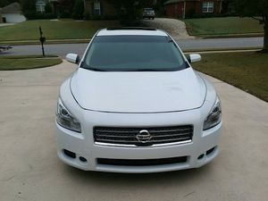 Super Clean Nissan Maxima Urgent for Sale in Southaven, MS
