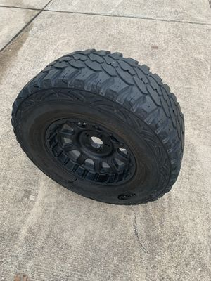 Jeep [spare only] 315/70r17 for Sale in Niederwald, TX