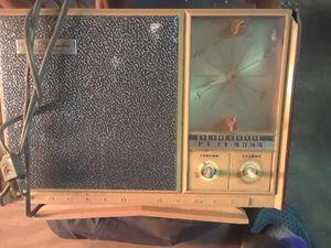 Vintage radio alarm clock for Sale in Spartanburg, SC