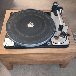 Dual 1009 turntable w/ original dust cover for Sale in Cupertino, CA