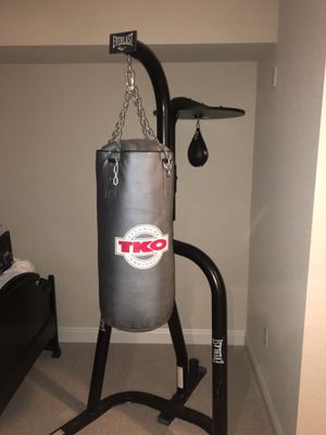 Everlast stand with TKO heavy bag and Everlast speed bag for Sale in Tampa, FL