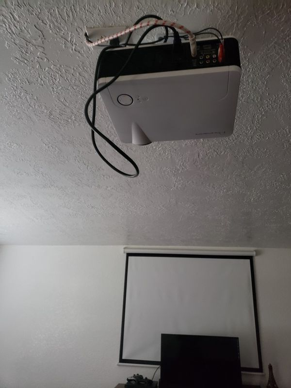 Projector with everything you need