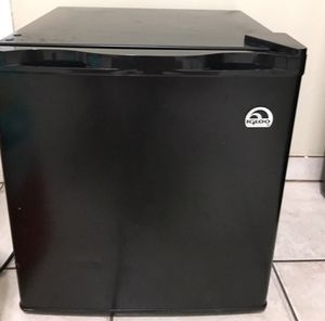 Mini fridge refrigerator with freezer compartment for Sale in Fresno, CA