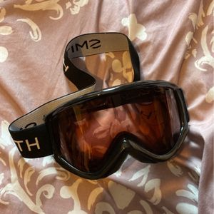 Goggles for snowboarding Or Skiing for Sale in Clifton, NJ
