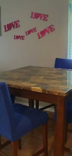 Dining Table And 4 Chairs for Sale in Auburn,  WA