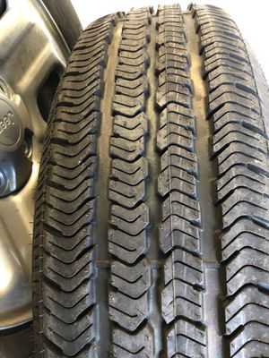 Factory Jeep rims and tires for Sale in Fort Worth, TX