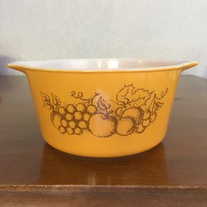 Pyrex dish, old orchard design , 1quart size for Sale in Plantation, FL