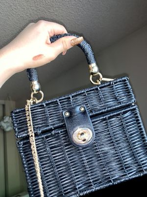 Zara straw purse for Sale in Moreno Valley, CA