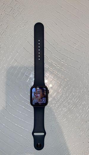 Apple Watch series 5 44mm gps for Sale in Kent, WA