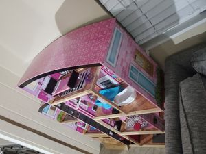 Doll houses very good condition come with accesories u need atruck to take for Sale in Richmond, CA