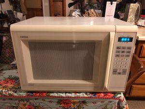 Tappan microwave 23 1/2 x 16 for Sale in Santa Maria, CA