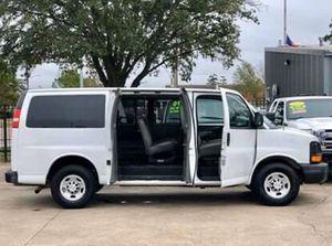 2013 Chevy Express G2500 Passenger Van for Sale in Houston, TX