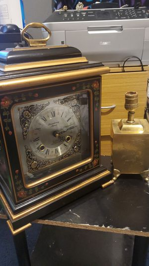 Vintage chinoiserie style clock and lamp for Sale in Indianapolis, IN