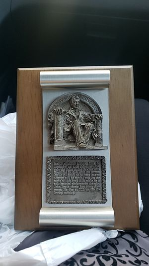 Vintage Lincoln Pewter wall plaque for Sale in Taylors, SC