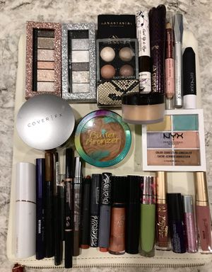 Full size name brand makeup! PLEASE READ DESCRIPTION. All details are listed there. for Sale in Salt Lake City, UT