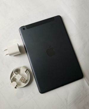 Ipad mini 2, Cellular and WI-FI Internet access, Excellent Condition. for Sale in Springfield, VA