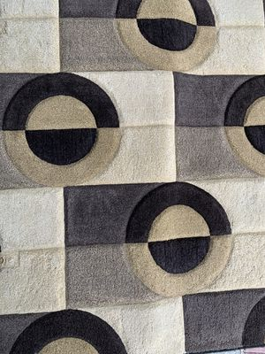 """Area rug size 5'3"""" x 7'9"""" for Sale in Pembroke Pines, FL"""