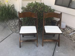 Chairs and Table for Sale in Nipomo, CA