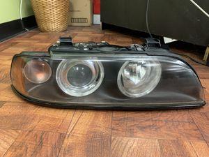 2001 bmw 530i headlight oem for Sale in Manassas, VA