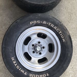 NOS POS-A-TRACTION TORQUE TWISTER G60-15 vintage tires for Sale in Yorba Linda, CA