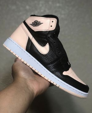 Jordan 1's Retro Black Crimson Tint SIZE 9 for Sale in Tampa, FL