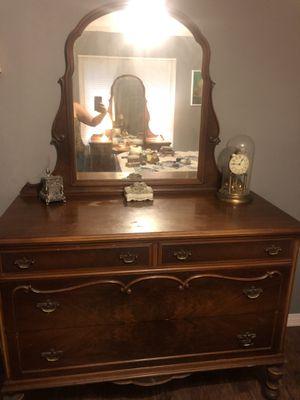 Antique bedroom set for Sale in Fontana, CA
