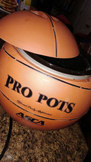 Basketball crockpot.. serious buyers only for Sale in El Paso, TX