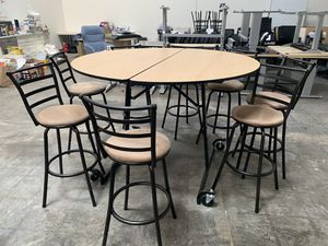 High top table 5' DIA for Sale in Mountain View, CA