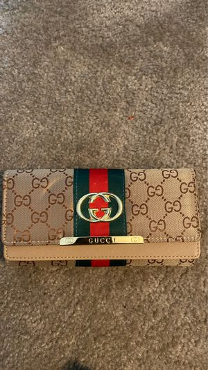 Gucci wallet for Sale in Lansdale, PA
