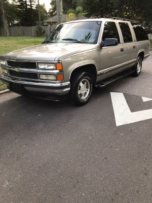 1999 Chevy Suburban for Sale in St. Petersburg, FL