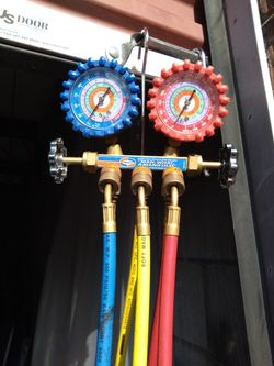 Full set of HVAC freon manifold set for Sale in Northwest Plaza,  MO