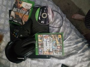 Xbox one bundle for Sale in Saint Petersburg, FL