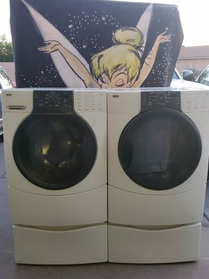 Kenmore washer and dryer electric on pedestal for Sale in Phoenix, AZ