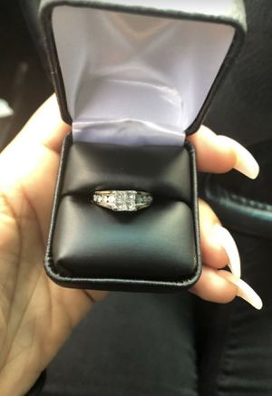 Diamond engagement ring size 7 for Sale in New Haven, CT