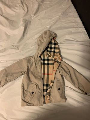 Toddler Burberry light coat 3T for Sale in Orondo, WA