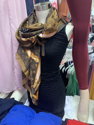 Louis Vuitton scarf for Sale in Anaheim, CA