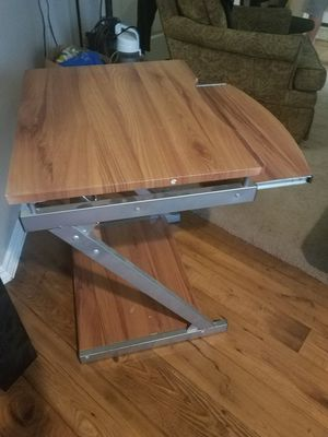 Desk with keyboard shelf for Sale in Hickory Creek, TX