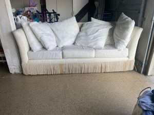Couch $75 for Sale in Beaumont, CA