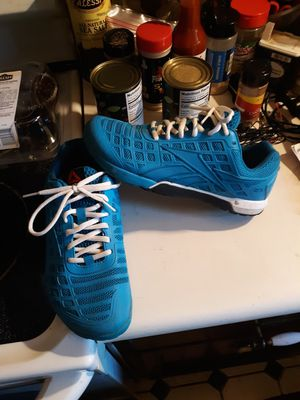 Size 8 womens Adidas shoes like new for Sale in Saint Ann, MO