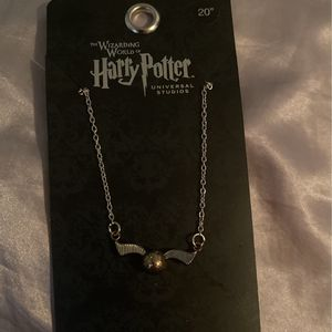 Harry Potter Universal Studios Snitch Necklace for Sale in Chicago, IL
