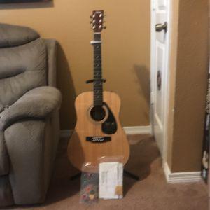 Yamaha Beginner Guitar for Sale in Houston, TX