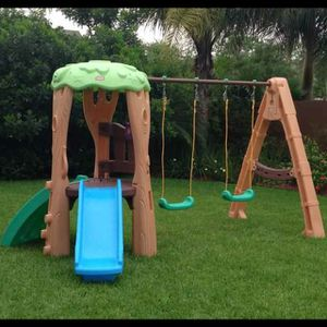 Little tikes swing set for Sale in Tallmadge, OH