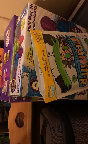 3 Kinetic sand toy lot new kids game set for Sale in Stafford, TX