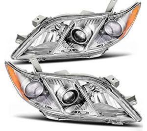 Toyota Camry 2007-2009 Headlight Assembly Chrome Housing Amber Reflector Clear Lens Headlamps Replacement (Driver and Passenger Side)new for Sale in Hialeah, FL