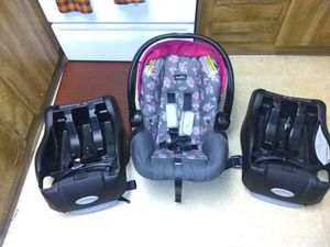 Evenflo infant car seat with 2 bases for Sale in Kannapolis, NC