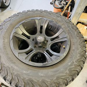 33 Inch Tires With 18 Inch Wheels For Jeep for Sale in Riverside, CA