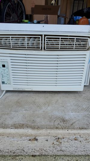Frigidaire AC window unit for Sale in Lacey Township, NJ