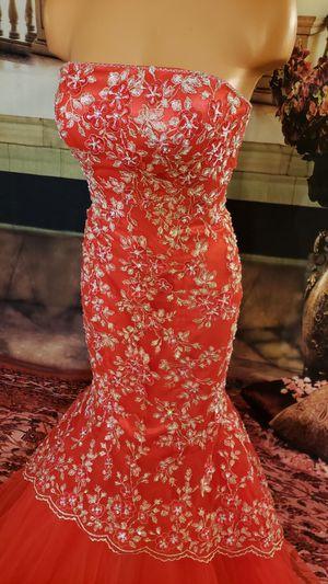 Women prom ball dress. Size 8 for Sale in Everett, WA