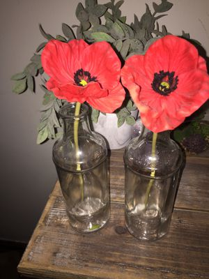 Flower vases with fake flower for Sale in Grandview Heights, OH