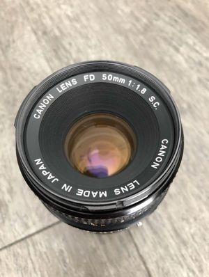 Canon 50mm 1.8 lens with caps for Sale in Tampa, FL